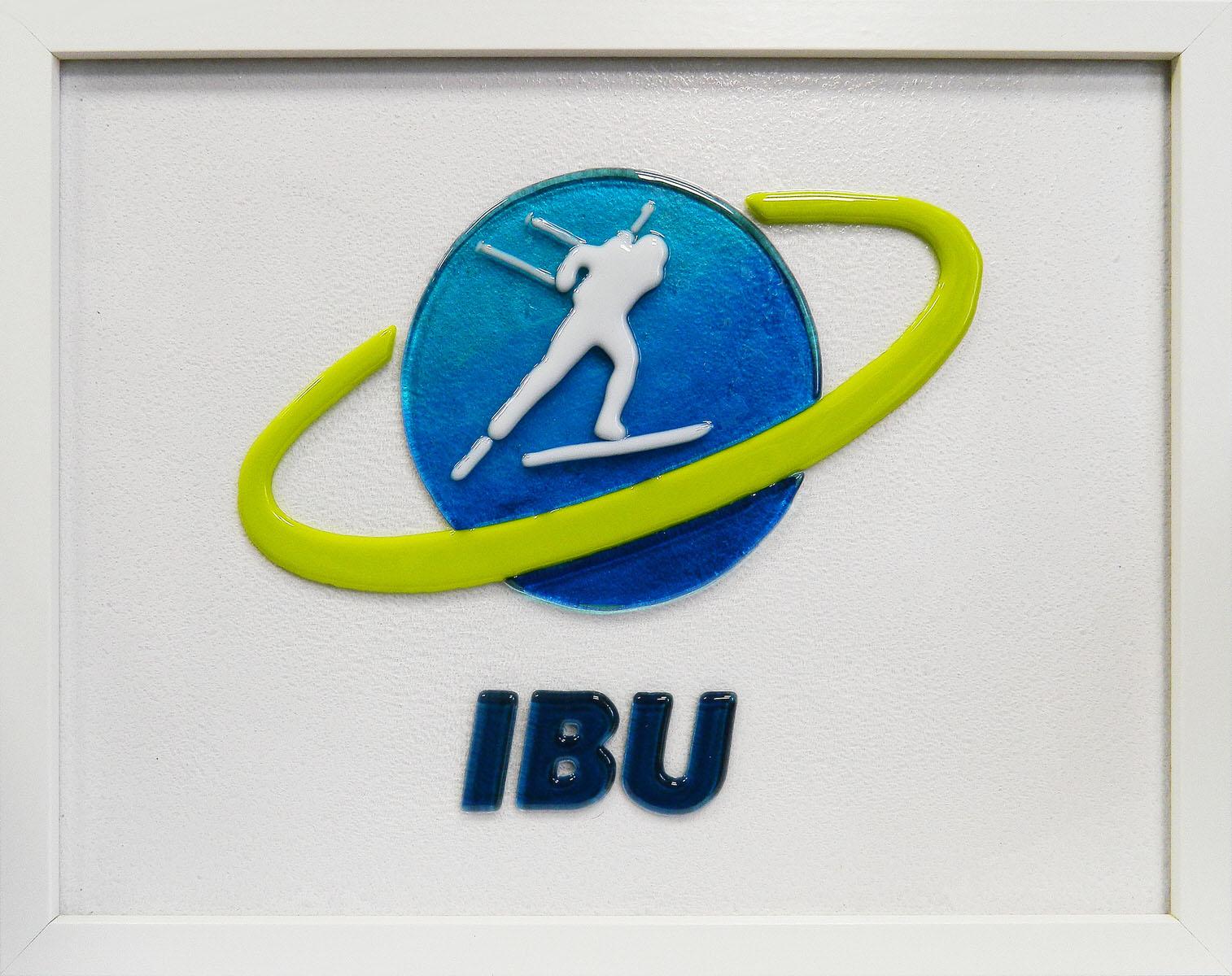 Логотип Международного союза биатлонистов