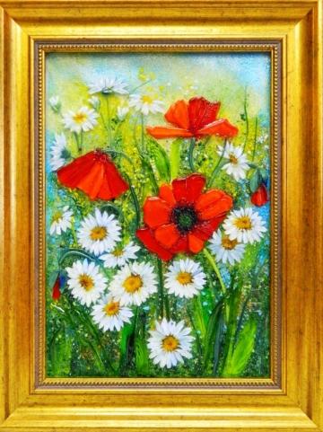 Картина из стекла маки на ромашковом поле