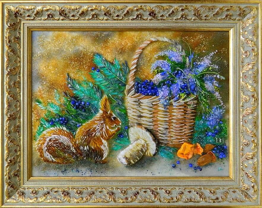 Осенний натюрморт с белочкой