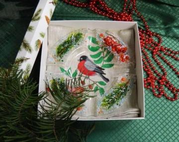 Подарочный набор «Декоративная пепельница с льняной салфеткой, украшенной вышивкой»