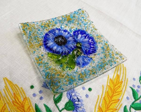 Подарочный набор «Васильки» розетка с льняной салфеткой, украшенной вышивкой»